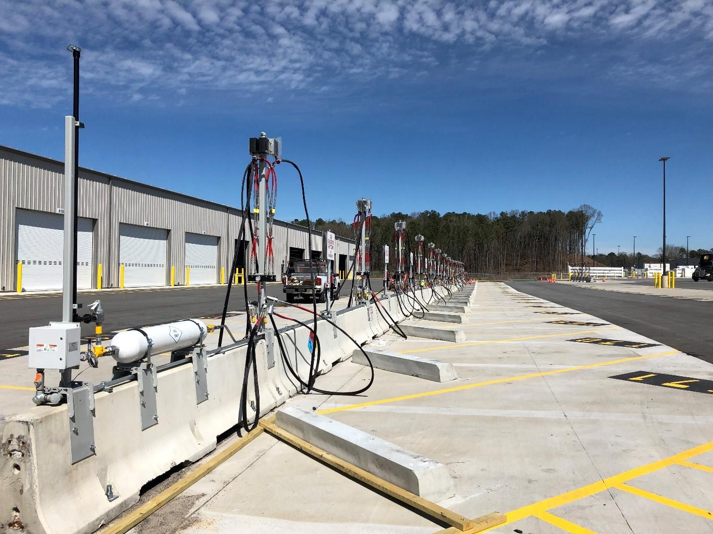 Compressed Natural Gas Fueling Station_2